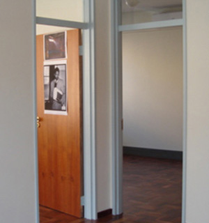 office mandela tambo 320